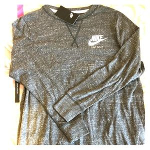 BRAND NEW Women's Nike Loose Fit Coupe Large